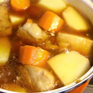 里芋と角煮の煮もの
