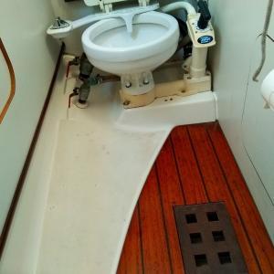 トイレから浸水ビルジもいっぱい
