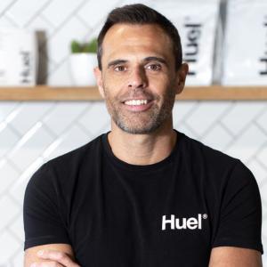 世界No.1の完全栄養食ブランド「Huel」共同創業者ジュリアン.・ハーンに聞いた日本市場への期待