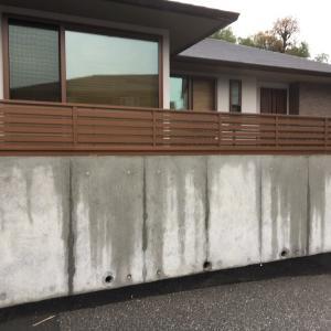 隙間だらけのフェンスの隙間を埋めました