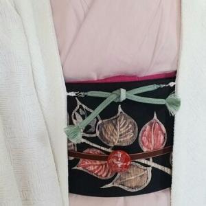 くるりデニム着物と葉っぱの帯で