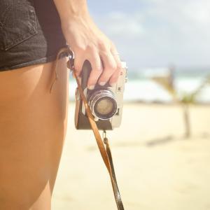 デジカメ初心者の失敗しないカメラ選び術 〜#7  インスタで背景がボケたおしゃれな写真が撮りたいなら絞りの値「F値」について知ろう〜