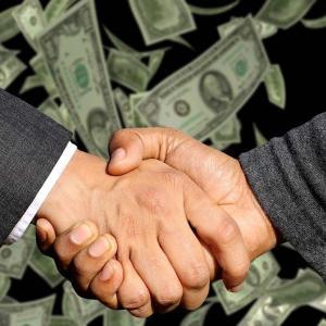 「誠意は言葉ではなく金額」とは?意味や使い方を解説!