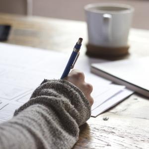 大人も学ぶ時間を!ライティングと語学の勉強をしています。