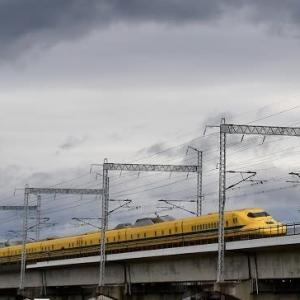 市川橋梁 ドクターイエロー 上り(2019.12.2)