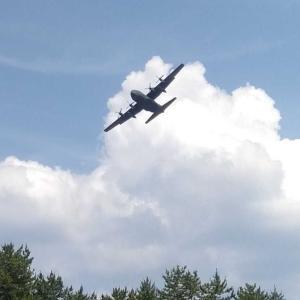 自衛隊機の低空飛行に遭遇