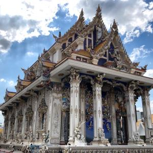 もうその通称どうなの?ベッカム寺院、こと「Wat Pariwat」に行く①謎のBRTの巻