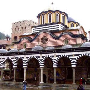 【ブルガリア】肩に誰か付いてるよぅ(´°̥̥̥̥̥̥̥̥ω°̥̥̥̥̥̥̥̥`)何かと濃密なリラの僧院