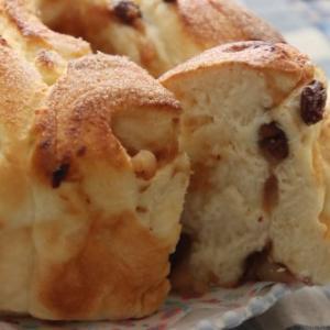 りんごのパンとケーキ