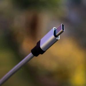 アップル、渋々USB-CコネクタをiPad・iPhoneにも採用を検討中か