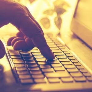 WordPress初心者でも簡単に設定できるプラグイン【User Login History】は、ログインに成功した履歴とログインに失敗したユーザー履歴を詳細に記録して閲覧できるので不正なログインをチェックしよう♪