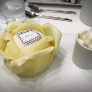 パリで大人気のアイス屋さん、Une Glace à Parisでおしゃれなアイスケーキを食べよう!