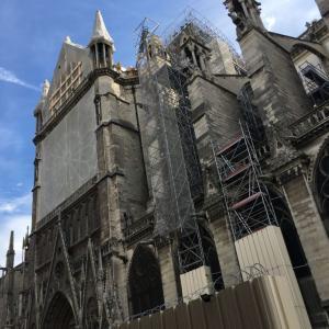 パリのノートルダム大聖堂の火災から4ヶ月、現在の様子は?