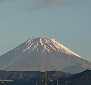 11月3日、我が家の駐車場から見た富士山です