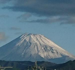 9月28日 初冠雪かな!今朝の富士山です
