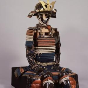 戦国の覇者・徳川家康が愛用した甲冑 「金陀美具足、伊予札黒糸威胴丸具足」