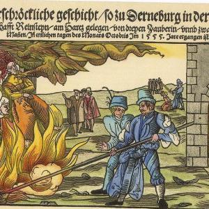 魔女に与える鉄槌 【中世に書かれた魔女狩りのバイブル】