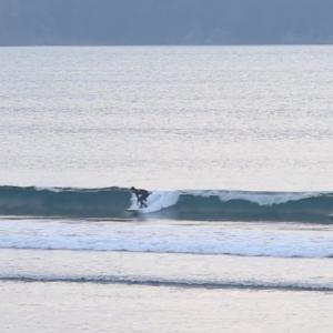 2019.12.10 7:20 湘南鵠沼の波