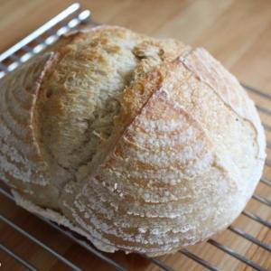 パン作りのクープとは? 表面に切れ目を入れる理由。