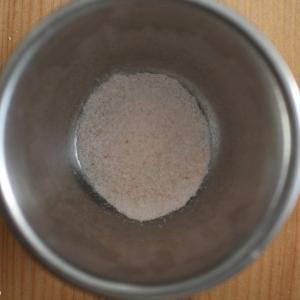 パン作りにおける塩の役割。調味以外の小麦粉への影響力。