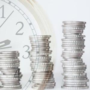 つみたてNISA 毎月3万円以上積立 47% 1年以上継続 92%(楽天証券 実態調査より)