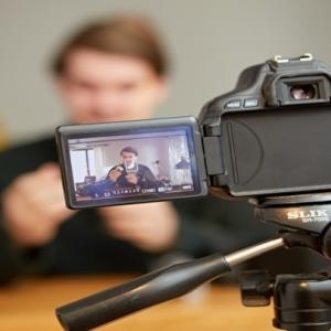 小アジの塩焼きを夕食に決定 弟の動画撮影と編集を手伝う