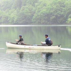 お舟を浮かべてシュンクシタカラ湖