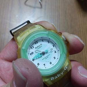 カシオBaby-Gのプラスチック尾錠(美錠)の外し方