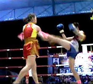 タイの地方の女子ムエタイ ノンプロイ VS カロン ノーカット動画 ムエタイ女子
