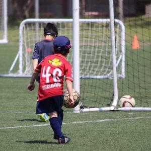 サッカー少年の第一歩