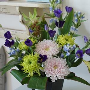 【今日の贈花】喪中のお葉書が届く季節ですね♪