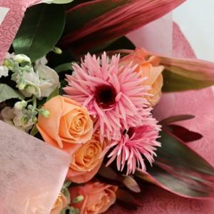 【今日の贈花】送別会の花束はお上品に♪