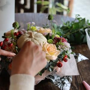 【秋のお花屋さん】本日体験レッスンできますよ♪