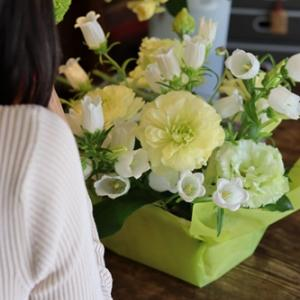 【花と優しい毎日を】4月は爽やかなグリーンと白で