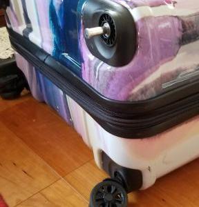 海外メーカー製のスーツケースを無料で修理してみたよ!という話