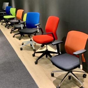KLで日本の高級オフィスチェアを格安で買う! 腰痛対策