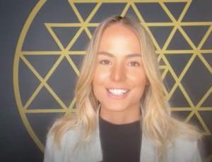 エリザベス・エイプリルさんの動画より「目覚めのステージ:二元性から統一性へ」「目覚めて行く人達…