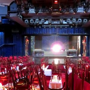 パリ、ムーランルージュの舞台