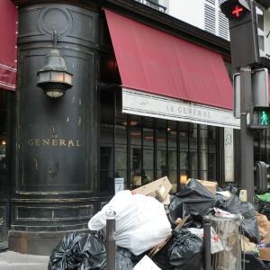 パリのゴミ、ある日のフランスの風景66