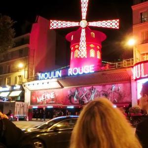 パリの赤い風車、ある日のフランスの風景81
