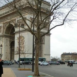 パリ凱旋門、ある日のフランスの風景82