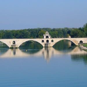 アヴィニョンの橋、ある日のフランスの風景89