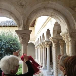 エクスアンプロヴァンスの教会、ある日のフランスの風景97