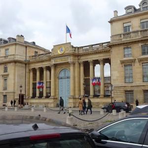 パリ7区、ブルボン宮の見える風景