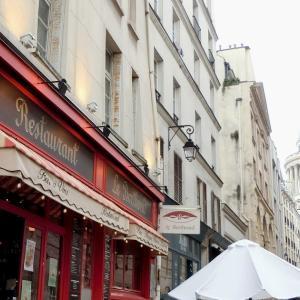 パリ5区、ある日のヴァレット通りのカフェ