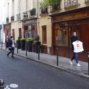パリ、ある日の6区の老舗レストラン
