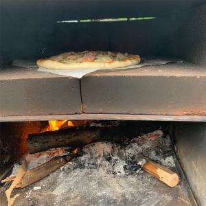 ピザ窯?!でピザ焼いてみました!