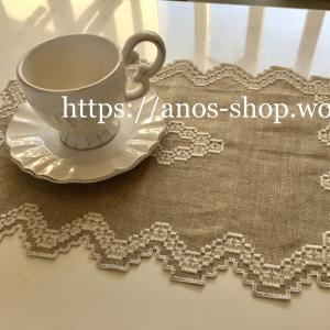 ハーダンガー刺繍のテーブルウェア:リネンx白糸