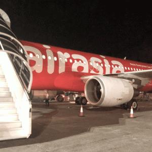 長時間フライトにおすすめ! エアアジア(AirAsia)航空のプレミアムフラットベッド&ホットシートに乗ったので感想をご共有