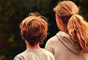 毒親が巻き込む親子の逆転現象!アダルトチルドレンを克服するために